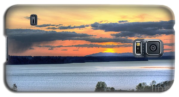 Galaxy S5 Case featuring the photograph Showers Over Mcneil Island - Chambers Bay Golf Course by Chris Anderson
