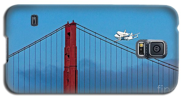 Shuttle Endeavour At The Golden Gate Galaxy S5 Case