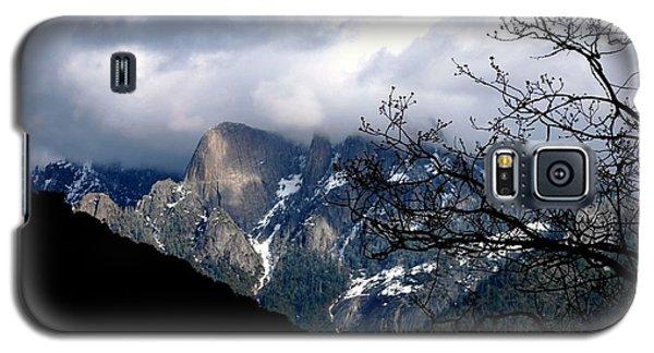 Galaxy S5 Case featuring the photograph Sierra Nevada Snowy View by Matt Harang