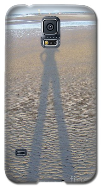 Galaxy S5 Case featuring the photograph Silhouette II by Nereida Rodriguez