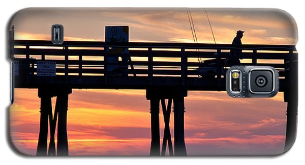 Silhouetted Fisherman On Ocean Pier At Sunrise Galaxy S5 Case