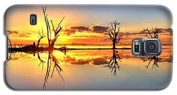 Silhouetted Sential Sunset Galaxy S5 Case by Bill  Robinson
