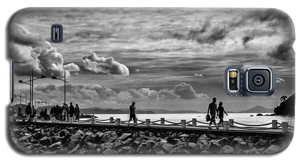 Silhouettes On The Jetty Galaxy S5 Case