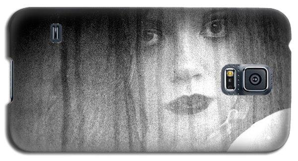 Galaxy S5 Case featuring the photograph Silken Beauty by Steven Macanka