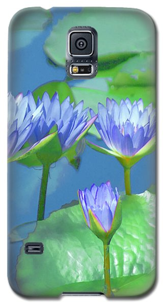 Galaxy S5 Case featuring the photograph Silken Lilies by Holly Kempe