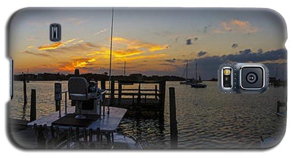 Silver Lake Sunset Panorama Galaxy S5 Case by Greg Reed