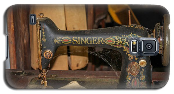 Galaxy S5 Case featuring the photograph Singer Sewing Machine  by Trace Kittrell