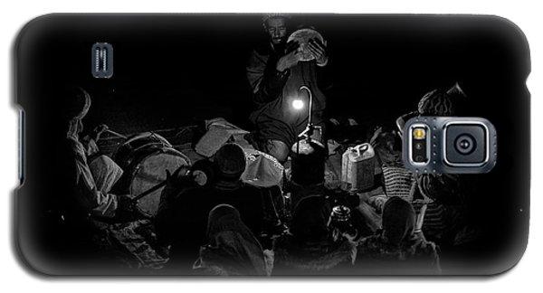 Drum Galaxy S5 Case - Singing To The Night by Angel Bernaldo De