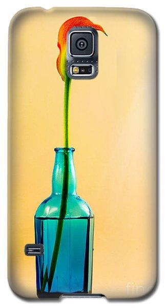 Single Calla In Blue Bottle Galaxy S5 Case