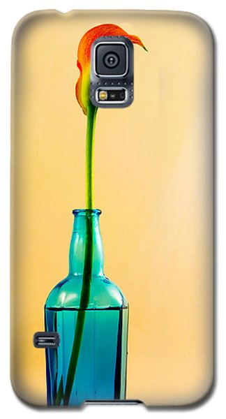 Single Calla In Blue Bottle Galaxy S5 Case