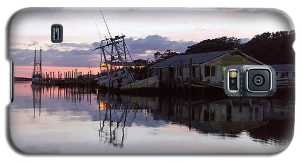 Galaxy S5 Case featuring the photograph Sinking Sun Sunken Boat by Alan Raasch