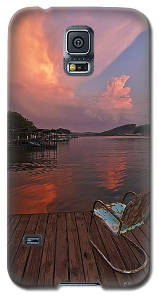 Sittin' On The Dock Galaxy S5 Case by Dennis Hedberg
