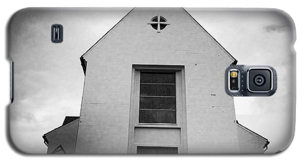 Religious Galaxy S5 Case - Skalholt Cathedral Iceland Europe Black And White by Matthias Hauser