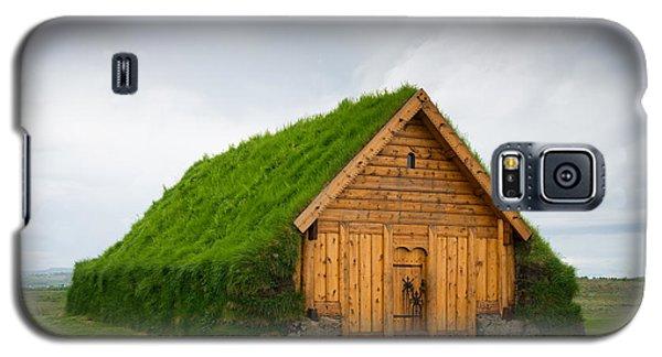 Skalholt Iceland Grass Roof Galaxy S5 Case by Matthias Hauser