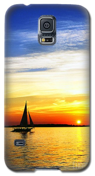 Skipjack Under Full Sail At Sunset Galaxy S5 Case