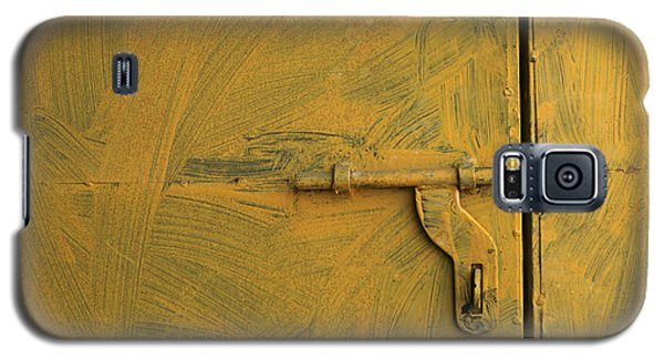 Galaxy S5 Case featuring the photograph Skc 0047 The Door Latch by Sunil Kapadia