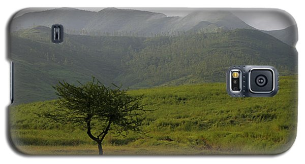 Galaxy S5 Case featuring the photograph Skc 0053 A Solitary Tree by Sunil Kapadia