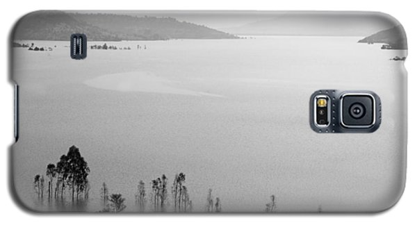 Galaxy S5 Case featuring the photograph Skc 0055 A Hazy Riverscape by Sunil Kapadia