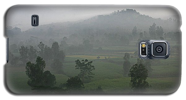 Galaxy S5 Case featuring the photograph Skc 0079 A Winter Morning by Sunil Kapadia