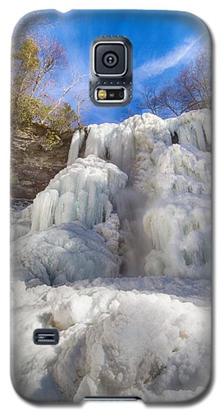 Galaxy S5 Case featuring the photograph Sky And Ice by Alan Raasch