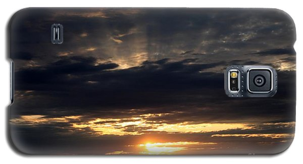 Galaxy S5 Case featuring the photograph Sky Show 3 by Erica Hanel