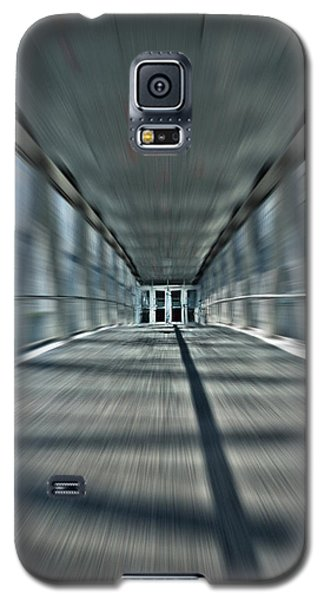 Galaxy S5 Case featuring the photograph Skydome Dreamwalk by Brian Carson