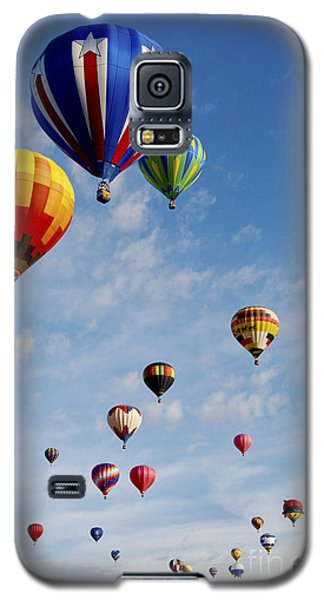 Galaxy S5 Case featuring the photograph Skyward Bound by Gina Savage