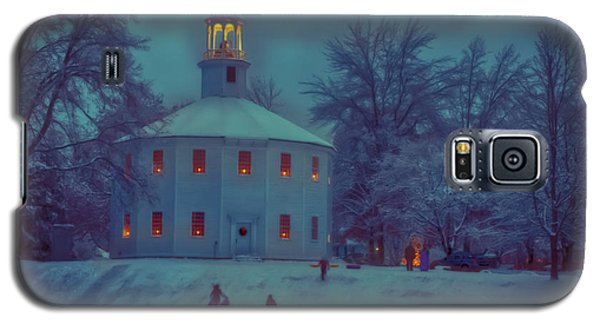 Sledding At The Old Round Church Galaxy S5 Case by Jeff Folger