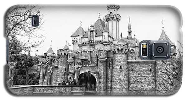 Sleeping Beauty Castle Disneyland Side View Bw Galaxy S5 Case by Thomas Woolworth