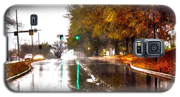 Galaxy S5 Case featuring the photograph Slick Streets Rainy View by Lesa Fine