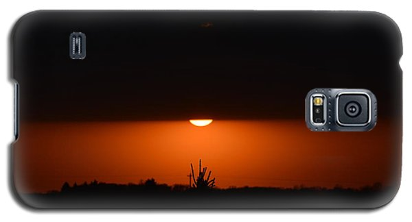 Sliver Of A Sunset Galaxy S5 Case by Dacia Doroff