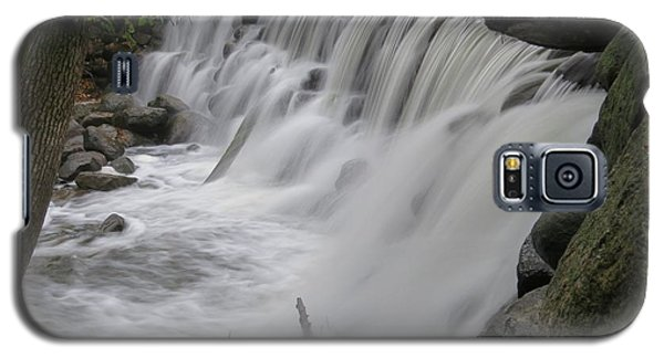 Galaxy S5 Case featuring the photograph Slow Fall by Nikki McInnes