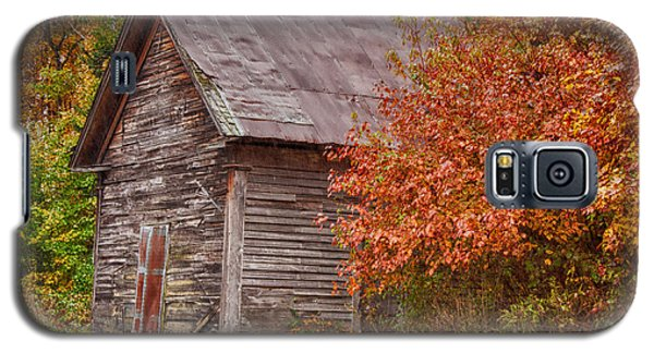 Galaxy S5 Case featuring the photograph Small Wooden Shack In The Autumn Colors by Jeff Folger