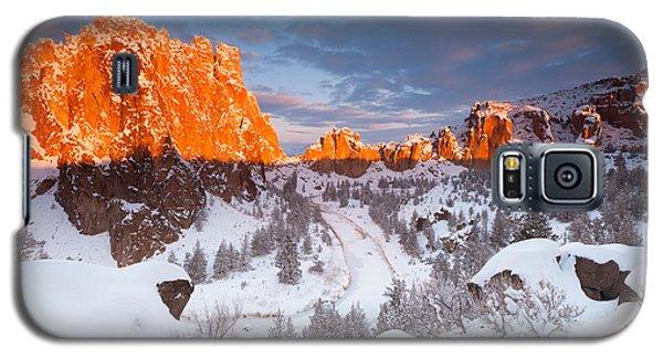 Smith Rock Snow Storm Galaxy S5 Case