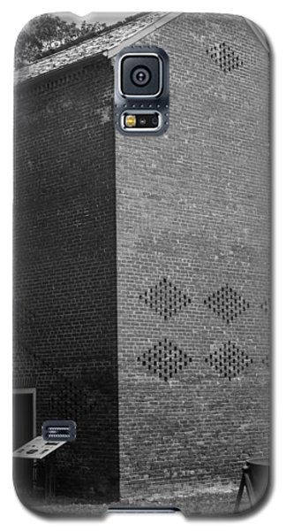 Galaxy S5 Case featuring the photograph Smoke House Belle Meade Mansion by Robert Hebert
