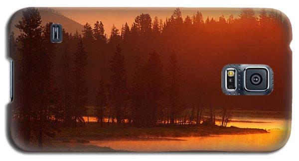 Smoky Sunrise At Yellowstone's Fishing Bridge Galaxy S5 Case