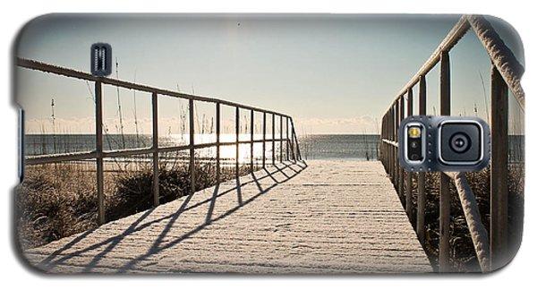 Snow At The Beach Galaxy S5 Case