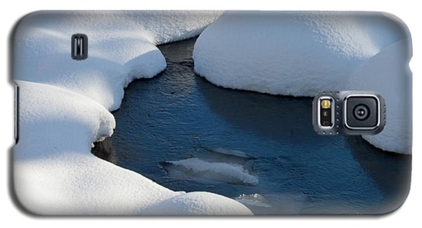 Snow Covered Rocks Galaxy S5 Case