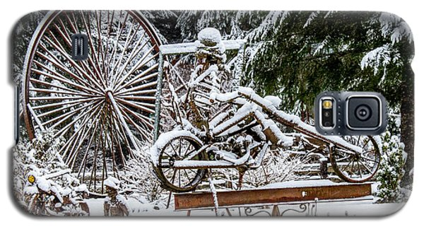 Snow Covered Skeleton Riding A Chopper Galaxy S5 Case