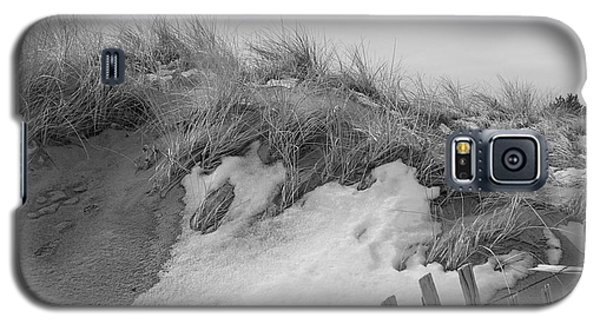 Snow Covered Sand Dunes Galaxy S5 Case