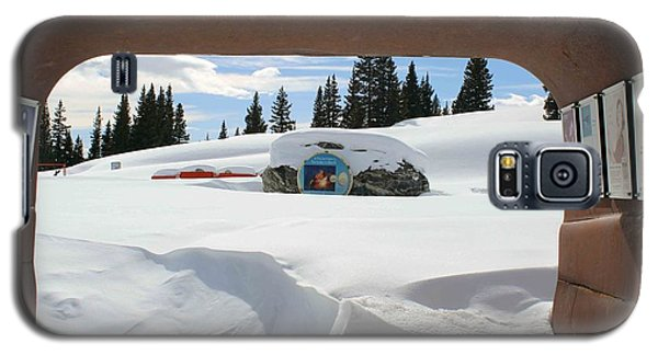 Galaxy S5 Case featuring the photograph Snow Daze by Fiona Kennard