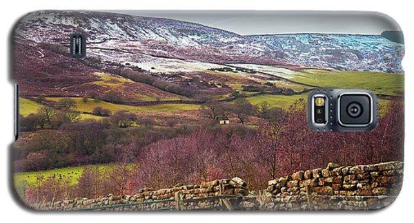 Snowcapped North Yorkshire Moors Galaxy S5 Case