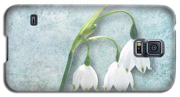 Snowdrop Galaxy S5 Case by Lynn Bolt