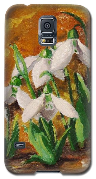 Galaxy S5 Case featuring the painting Snowdrops by Nina Mitkova