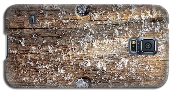 Snowflakes On Wood Galaxy S5 Case