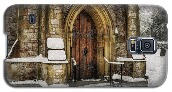 Snowy Church Door Galaxy S5 Case