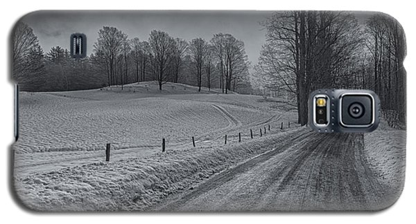 Snowy Country Road Galaxy S5 Case
