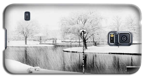Snowy Day On Man Made Pond Galaxy S5 Case by Andy Lawless