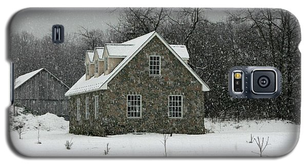 Galaxy S5 Case featuring the photograph Snowy Garage by Andy Lawless