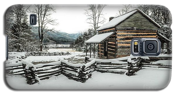 Galaxy S5 Case featuring the photograph Snowy Log Cabin by Debbie Green
